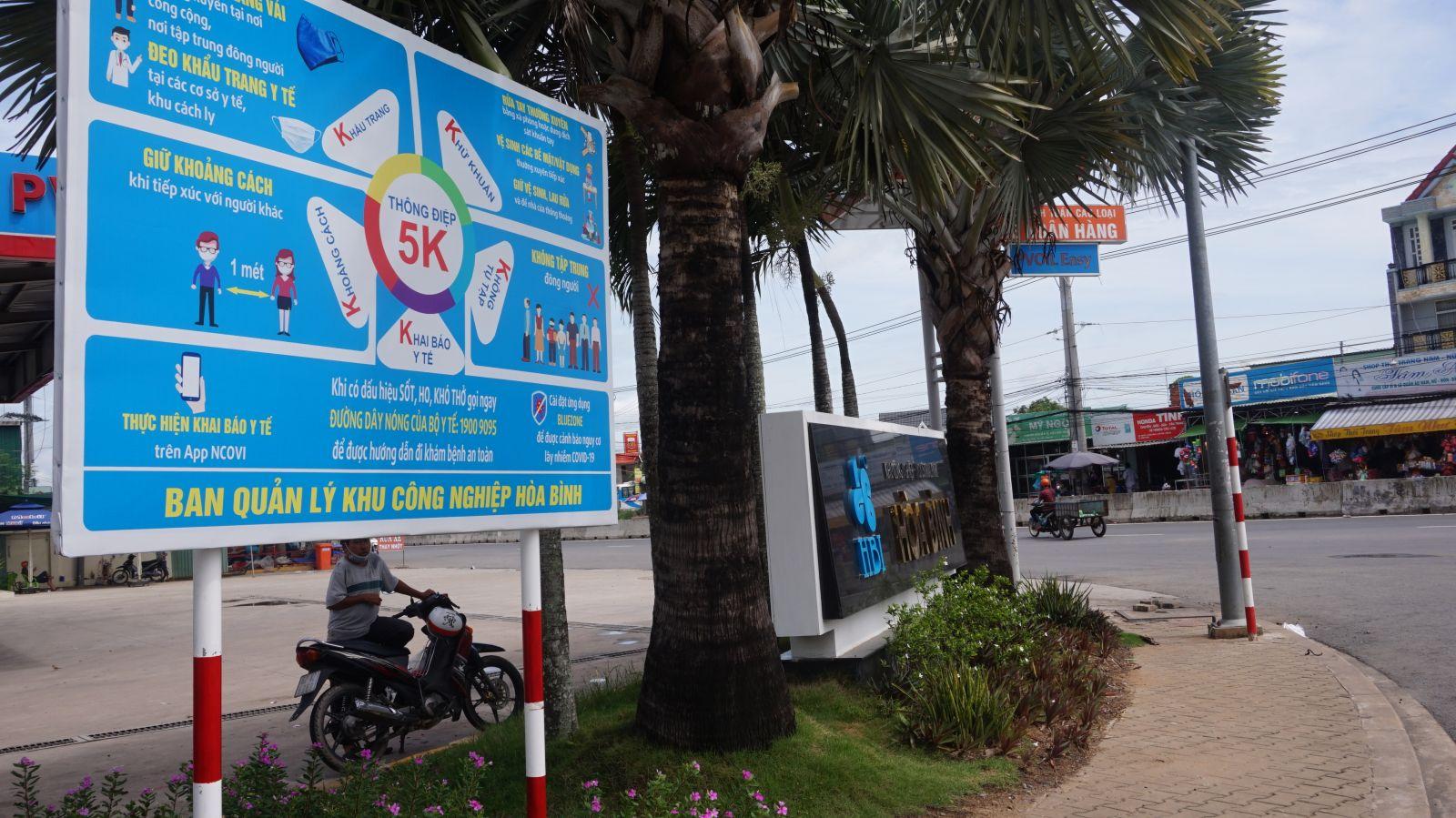 Khu công nghiệp Hòa Bình, huyện Thủ Thừa tuyên truyền phòng, chống dịch Covid-19