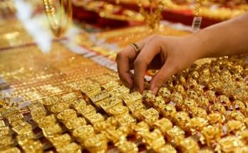 Giá vàng trong nước lao dốc, tuột khỏi mốc 57 triệu đồng/lượng