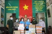 Cụm thi đua số 5 Công đoàn viên chức tỉnh thăm, tặng quà Đồn Biên phòng