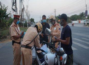 Xử phạt gần 1.200 lái xe tham gia giao thông vi phạm về nồng độ cồn
