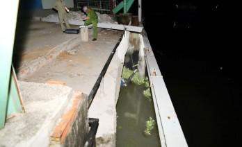 Truy tìm thân nhân phụ nữ tử vong trên sông Vàm Cỏ Tây