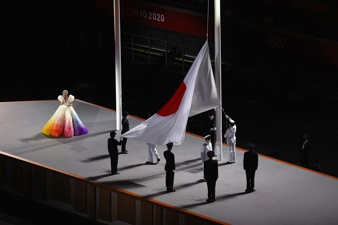 Lễ kéo quốc kỳ Nhật Bản
