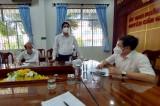 Phó Chủ tịch Thường trực HĐND tỉnh - Mai Văn Nhiều thăm lực lượng tuyến đầu chống dịch