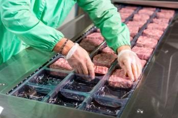 Campuchia tìm thấy virus SARS-CoV-2 trong thịt đông lạnh nhập từ Ấn Độ