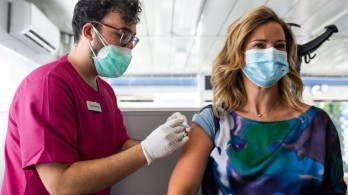 Vaccine hoạt động hiệu quả như thế nào trước biến thể Delta?