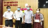 Chủ tịch UBND huyện Cần Giuộc gặp mặt cán bộ y tế nghỉ hưu tình nguyện tham gia phòng, chống dịch Covid-19