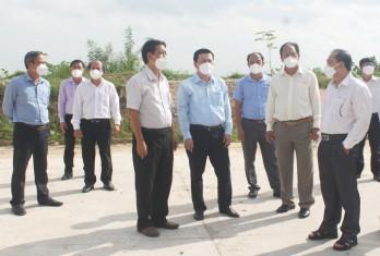 Thăm, hỗ trợ lực lượng tuyến đầu phòng chống dịch tại Tân Hưng, Vĩnh Hưng