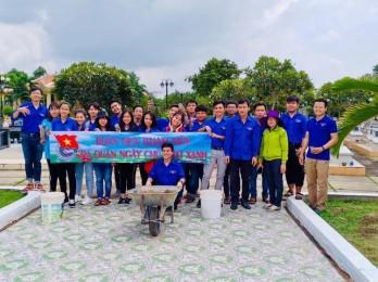 Tuổi trẻ Trường THPT Cần Giuộc: Chung sức xây dựng nông thôn mới