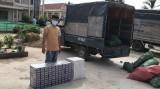 Dùng cả xe tải vận chuyển thuốc lá lậu