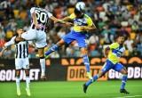 Vì sao Cristiano Ronaldo ngồi dự bị ở Juventus?