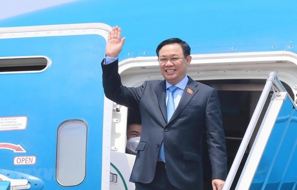 National Assembly Chairman Vuong Dinh Hue at Noi Bai International Airport (Photo: VNA)