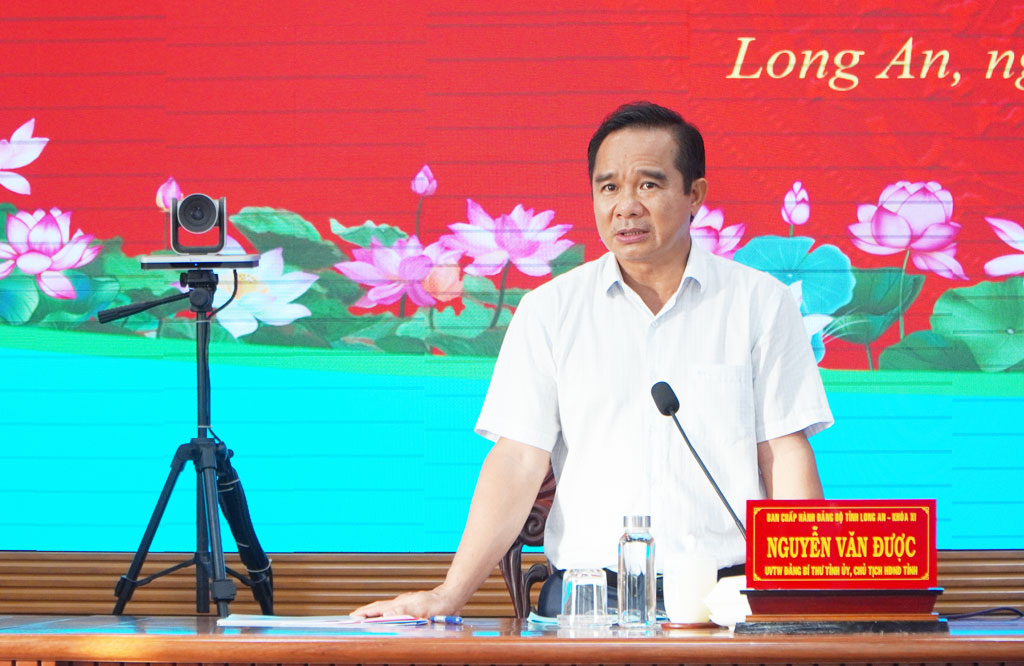 Secretary of the Provincial Party Committee, Head of the Long An Steering Committee for Covid-19 Prevention and Control - Nguyen Van Duoc requests to quickly screen and separate F0 from the community