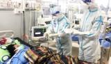 Trung tâm Hồi sức Covid-19 Trung ương trao trả tiền và tài sản cho người bệnh
