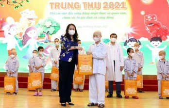 Vice President visits child patients ahead of Mid-Autumn Festival