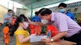 Chủ tịch UBND tỉnh - Nguyễn Văn Út thăm, tặng quà Tết Trung thu cho thiếu nhi