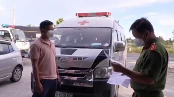 Lợi dụng xe cứu thương, 2 tài xế chở 5 người từ vùng dịch về Kiên Giang