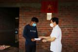 Bí thư Thành ủy Tân An trao nhà tình thương tại huyện Thủ Thừa