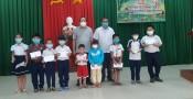 Phó Chủ tịch UBND tỉnh trao quà Trung thu cho trẻ em có hoàn cảnh khó khăn huyện Châu Thành