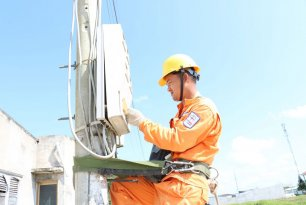 Ngành điện triển khai giảm giá bán điện, giảm tiền điện đợt 5 cho khách hàng