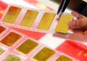 Giá vàng thế giới kém vàng trong nước hơn 8 triệu đồng/lượng