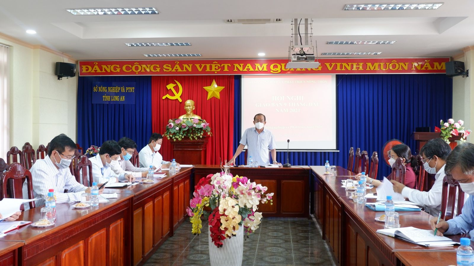 Director of DARD - Nguyen Thanh Truyen chairs the conference