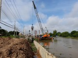 Tan Thanh: Townlet embankment project started construction with cost of over 309 billion VND