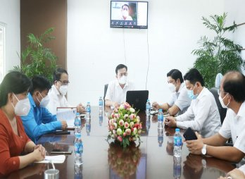 Phó Bí thư Thường trực Tỉnh ủy Long An đối thoại với doanh nghiệp