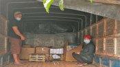 Ngụy trang 8.500 gói thuốc lá ngoại trong những bao phân xơ dừa