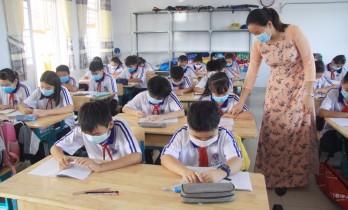 HĐND tỉnh Long An thông qua Nghị quyết về việc không thu học phí Học kỳ I năm học 2021 - 2022