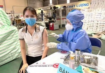 Vaccines for workers: 'Leverage' restores production