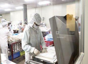 Phục hồi sản xuất, kinh doanh, nỗ lực giữ chân người lao động
