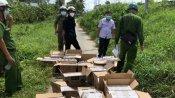 Khen thưởng lực lượng công an cơ sở và người dân bắt 2 đối tượng vận chuyển hàng cấm